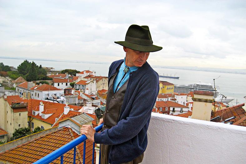 5-Photo-of-me-at-Santa-Marinha-Square
