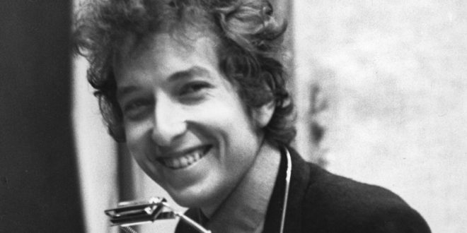 Book Review // Light Come Shining: The Transformations Of Bob Dylan
