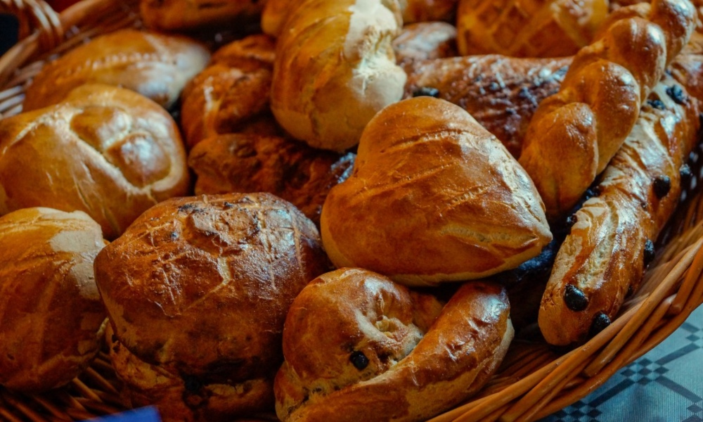 #ChallahConnected : The Sisterhood of Instagram's Challah Bakers